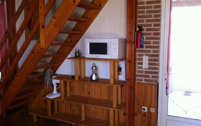 Location de vacances - Gîte à Vaour - escalier d'accès à la mezzanine : avec 2 convertibles doubles
