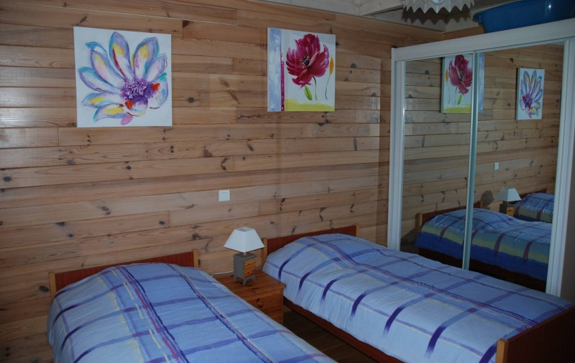 Location de vacances - Chalet à Saint-Léonard - Chambre enfants