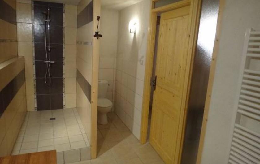 Location de vacances - Gîte à Chirols - Salle d'eau de la chambre d'hôtes