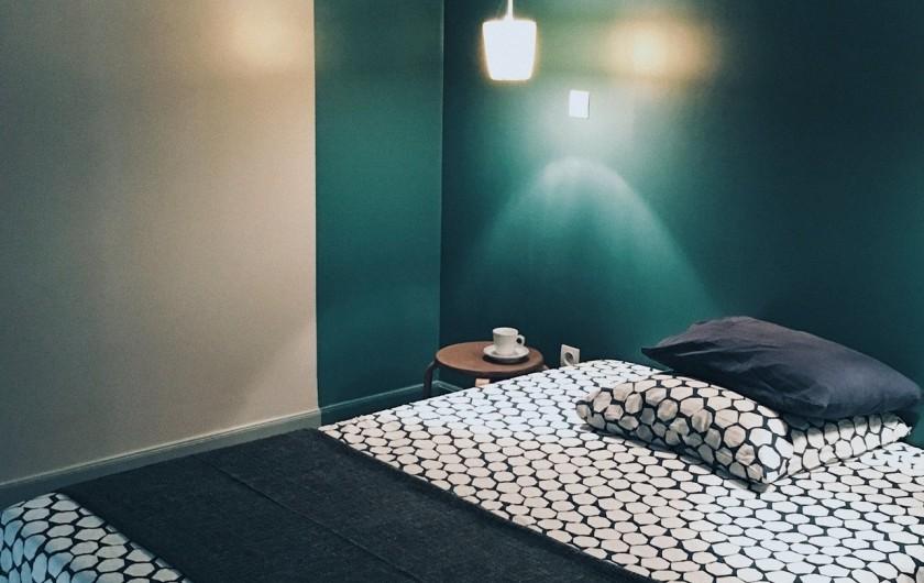Location de vacances - Gîte à Uchaux - Le lit de la chambre