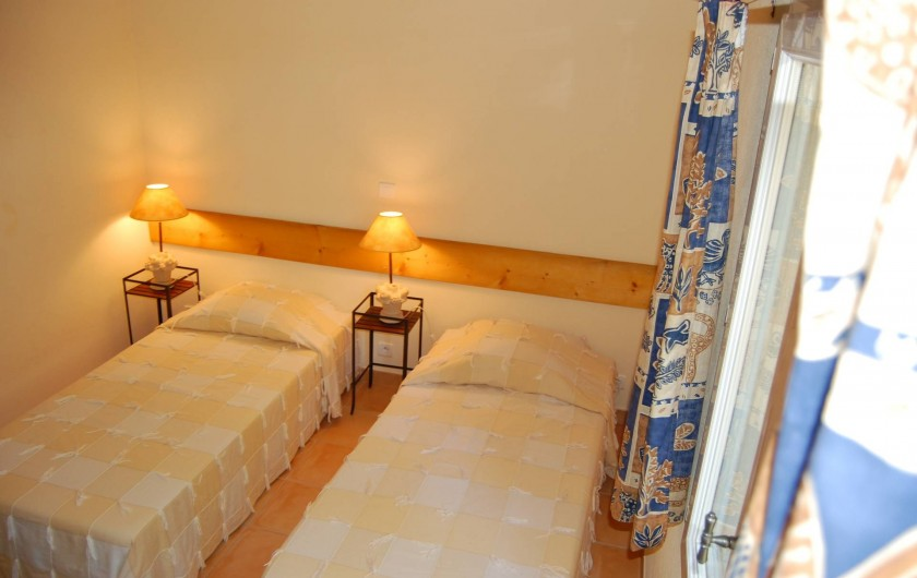 Location de vacances - Gîte à Aubignan - chambre  deux lits jumeaux