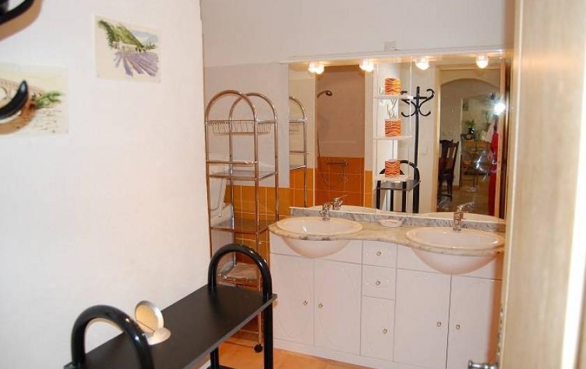 Location de vacances - Gîte à Aubignan - salle d'eau