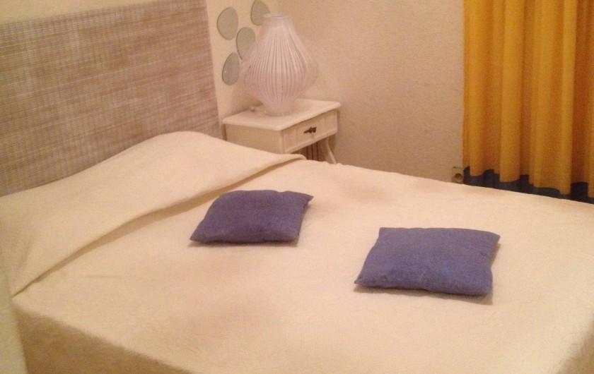 Location de vacances - Villa à Fréjus - chambre  lit 2 pers 140 cm