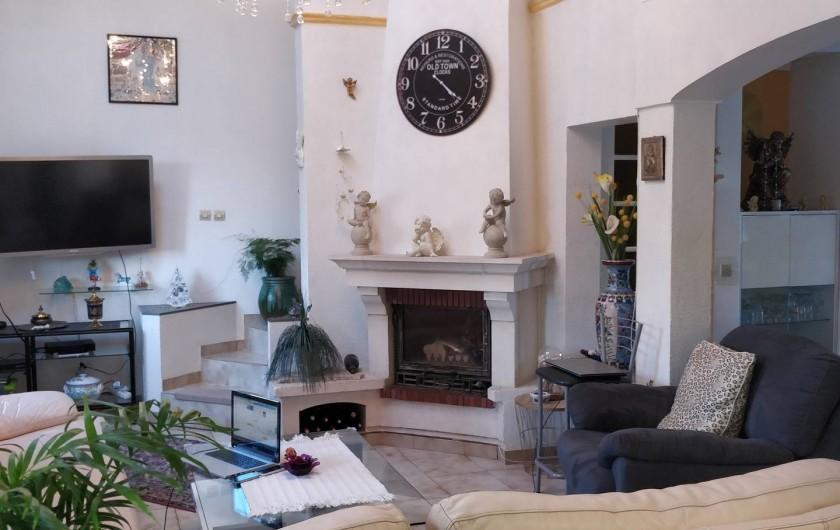 Location de vacances - Villa à Fréjus - Salon , tv