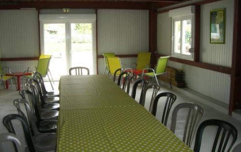 Location de vacances - Gîte à Cormoyeux - réfectoire avec cuisine