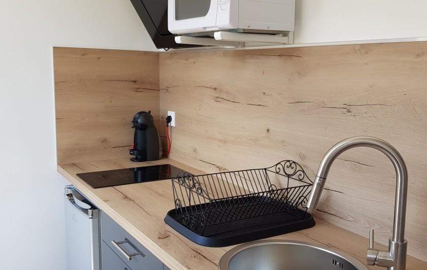 """Location de vacances - Appartement à Saint-Montan - Appartement """"Pastourelle"""" coin cuisine"""