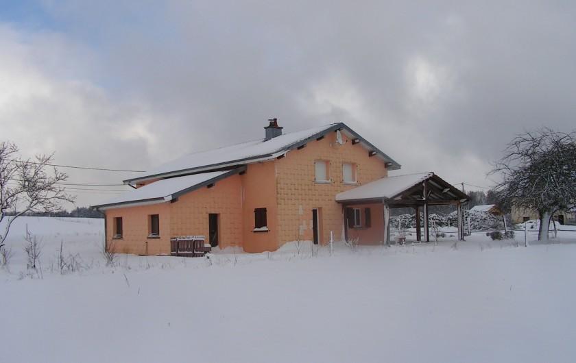 Location de vacances - Chalet à Le Clerjus - coté ouest en hiver