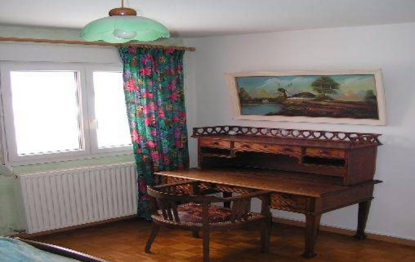 Location de vacances - Chalet à Le Clerjus - le bureau de la chambre parentale