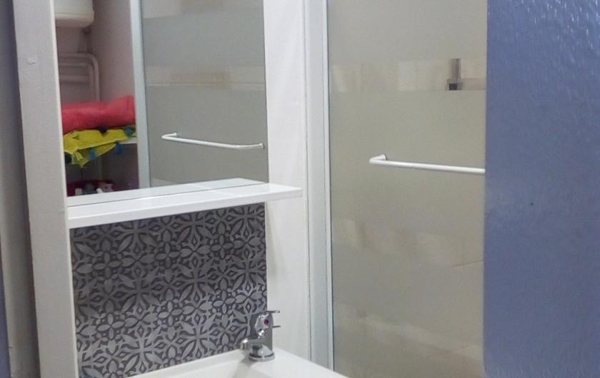 Location de vacances - Studio à Gérardmer - salle de bain
