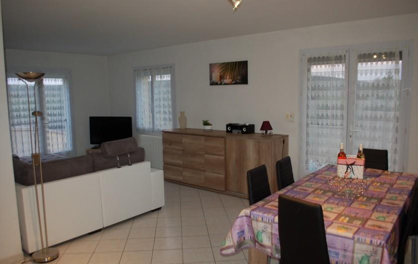 Location de vacances - Villa à Les Granges-Gontardes - Salon - salle à manger