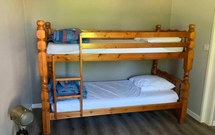 Location de vacances - Gîte à Seigy - Chambre 1 avec lit superposé