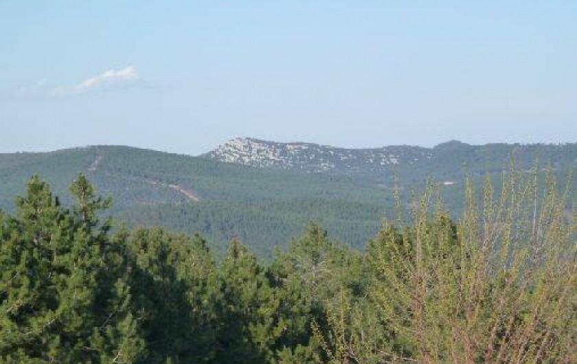 Location de vacances - Gîte à Malbosc - vue sur la vallée
