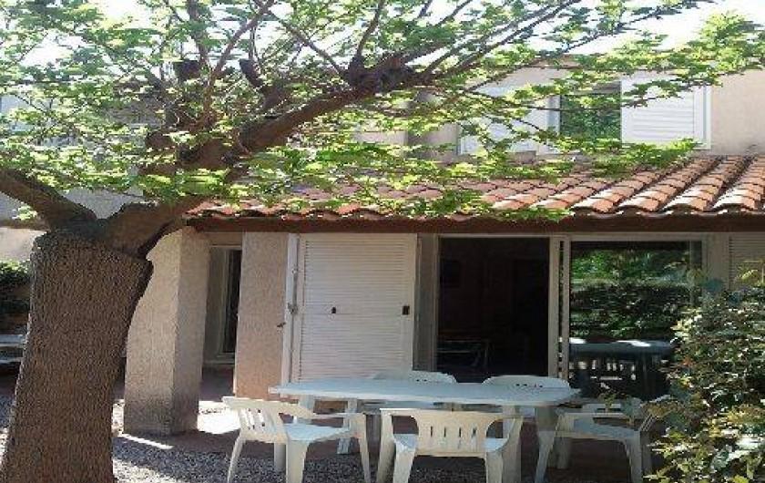 Location de vacances - Villa à Portiragnes - Villa C, vue de la terrasse du séjour et de la cuisine.