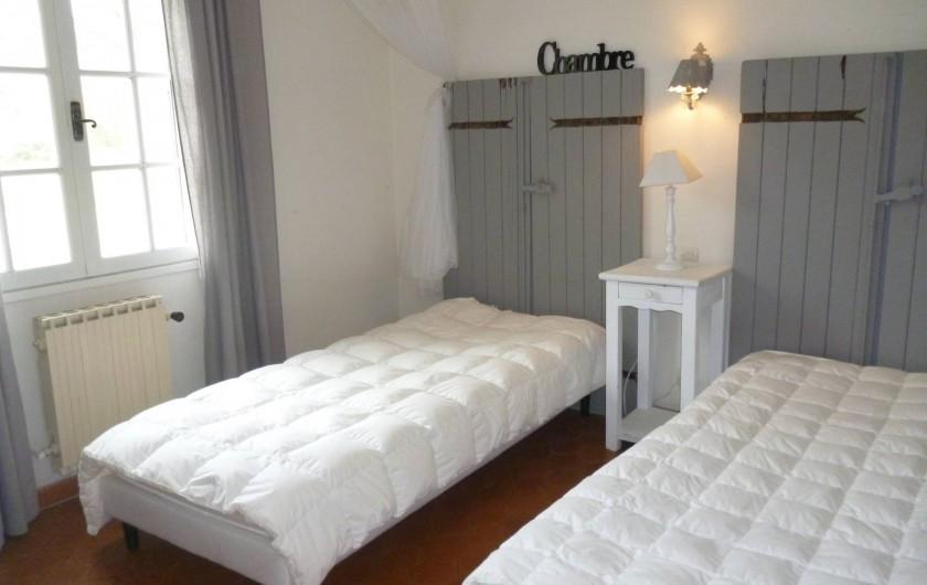 Location de vacances - Villa à Roussas - Chambre à l'Ouest à deux lits séparés