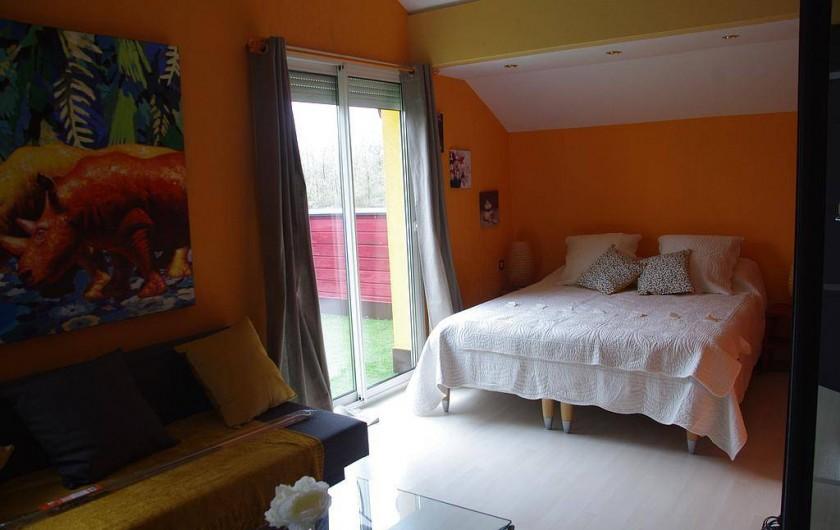 Location de vacances - Chambre d'hôtes à Grayan-et-l'Hôpital - Chambre château Margaux de 30m2 literie de 160 et canapé d'appoint de 120