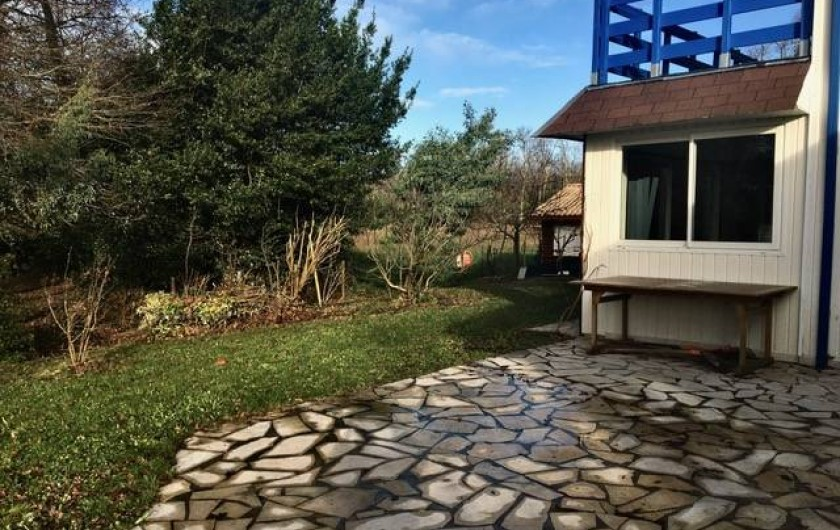 Location de vacances - Chambre d'hôtes à Grayan-et-l'Hôpital - Terrasse pour déjeuner avec cuisine d'été