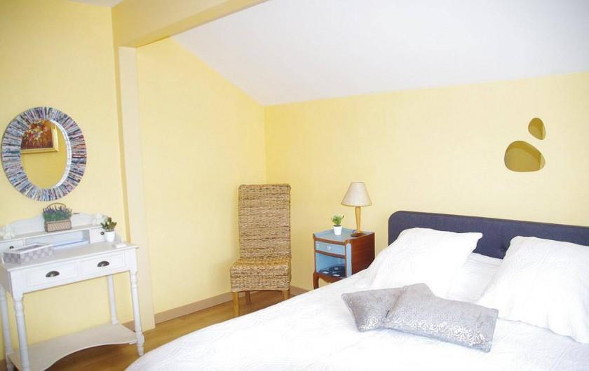 Location de vacances - Chambre d'hôtes à Grayan-et-l'Hôpital - Chambre château d'Estournel donnant sur l'entrée de la maison