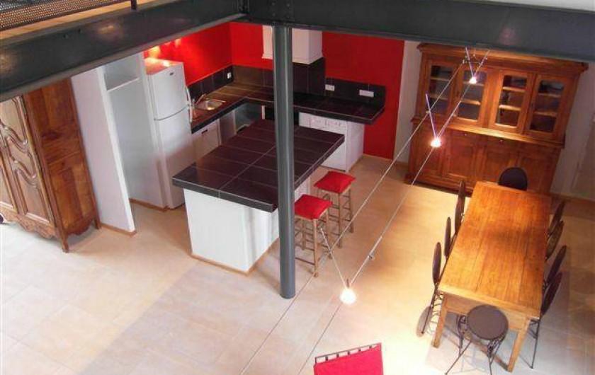 Location de vacances - Gîte à Roussennac - Vue sur la cuisine depuis la mezzanine