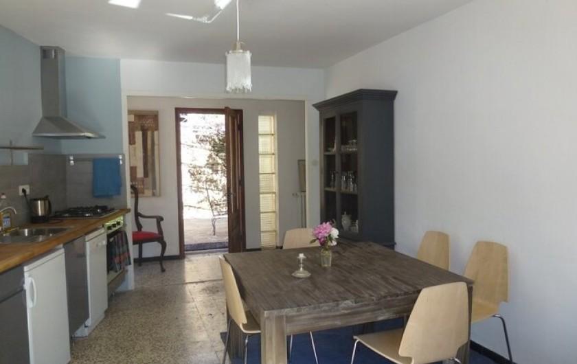 Location de vacances - Gîte à Saint-Vincent-d'Olargues - Cuisine gîte 1