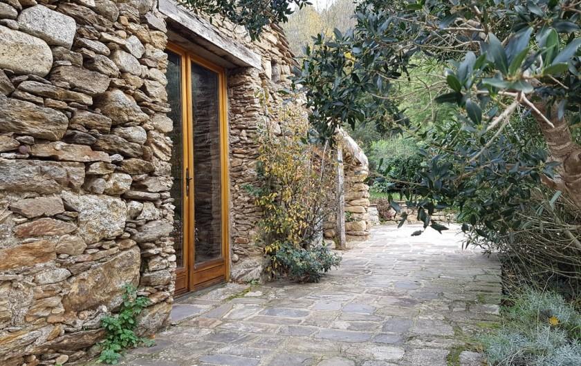 Location de vacances - Gîte à Saint-Vincent-d'Olargues - Poolhouse