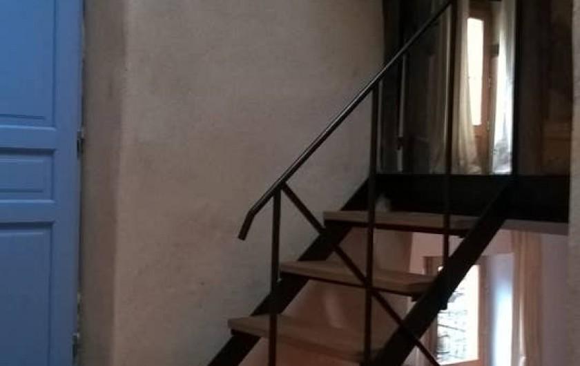Location de vacances - Gîte à Saint-Vincent-d'Olargues - Escaliers gîte 2