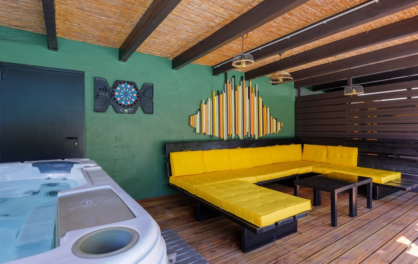Location de vacances - Villa à Pépieux - SPA  ET  VASTE SALON LOUNGE