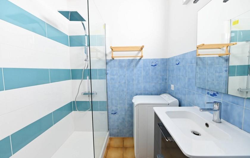 Location de vacances - Appartement à Port-Vendres - salle d'eau