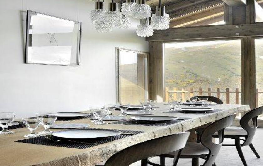 Location de vacances - Chalet à Saint-Martin-de-Belleville - Détail coin repas.