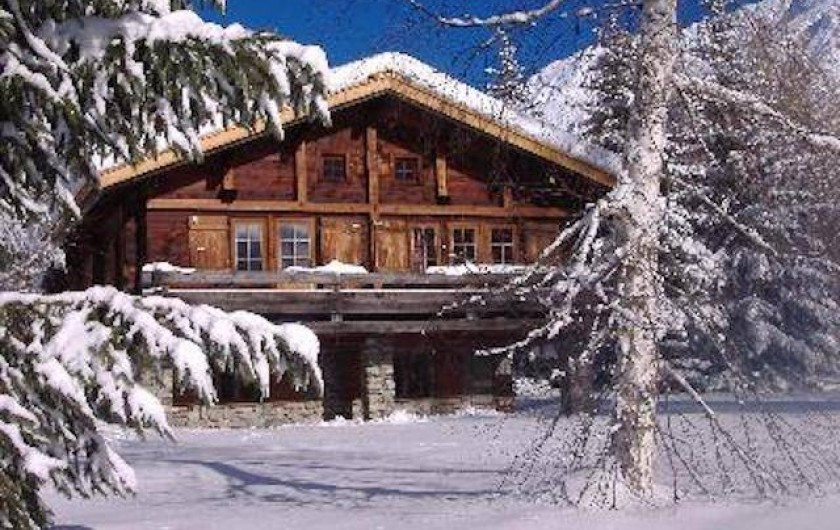 Location de vacances - Chalet à Chamonix-Mont-Blanc - Façade principale plein sud