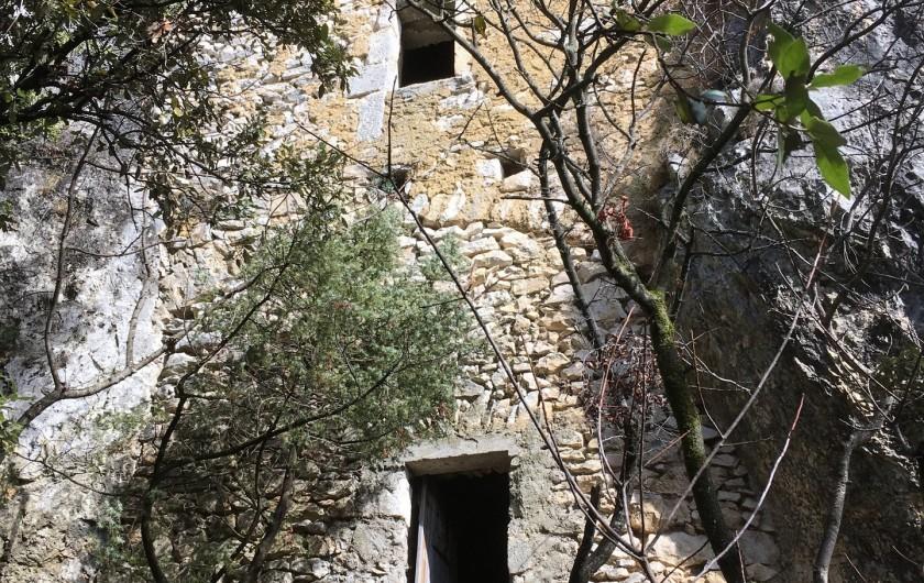 Location de vacances - Appartement à Saint-Montan - La grotte de l'Ermite - Saint Montan