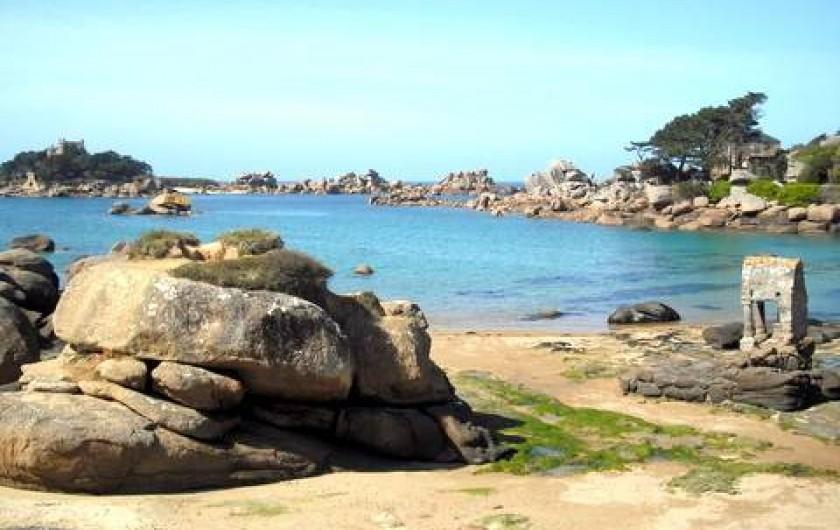 Location de vacances - Gîte à Perros-Guirec - plage de St guirec à 100m du gîte des pêcheurs tiploum