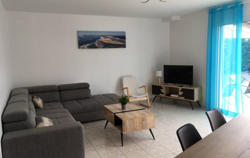 Location de vacances - Villa à La Teste-de-Buch - Salon avec canapé d'angle