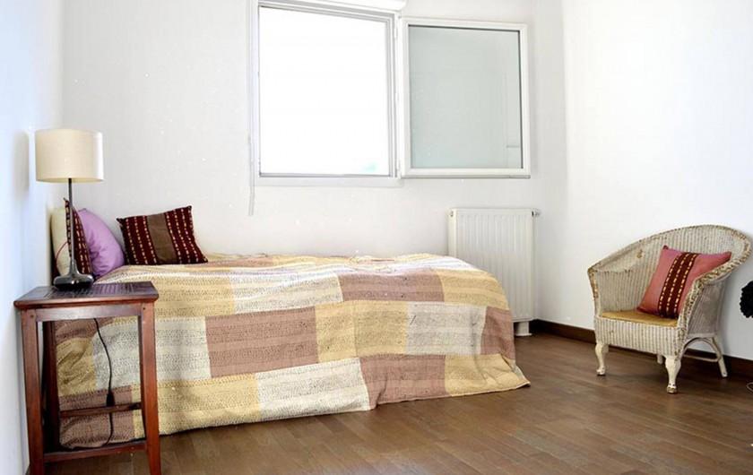 Location de vacances - Appartement à Banyuls-sur-Mer - Chambre n°2 2ème lit ajouté depuis Placards de rangement