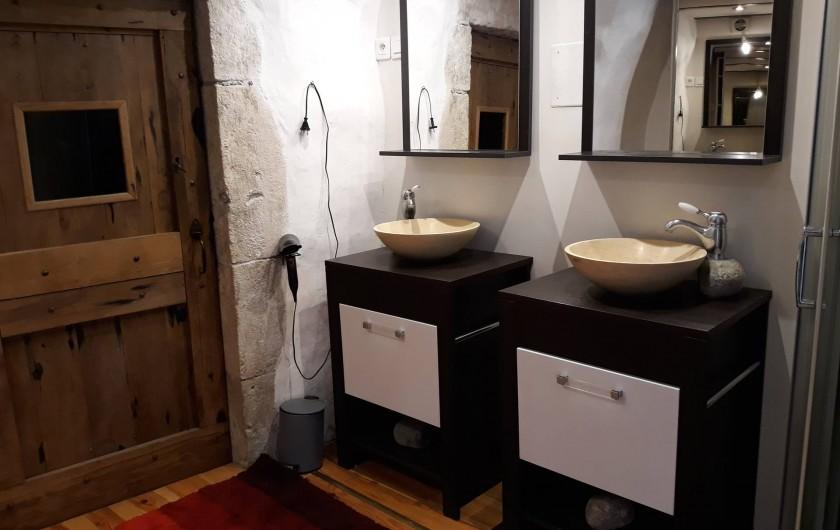 Location de vacances - Gîte à La Cresse - La  salle de bain