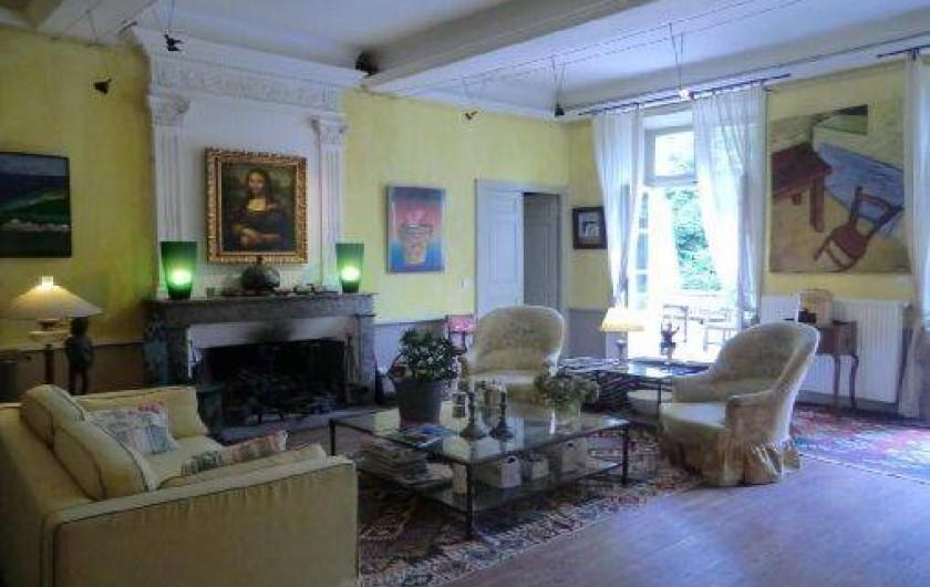 Location de vacances - Chambre d'hôtes à Saint-Lager-Bressac - Grand salon jaune