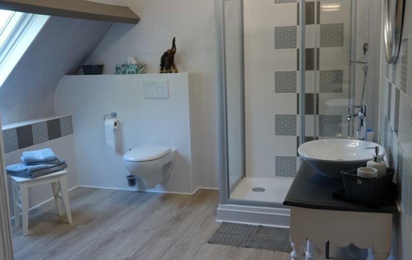 Location de vacances - Maison - Villa à Sarlat-la-Canéda - Salle de bains Chambre Écureuil
