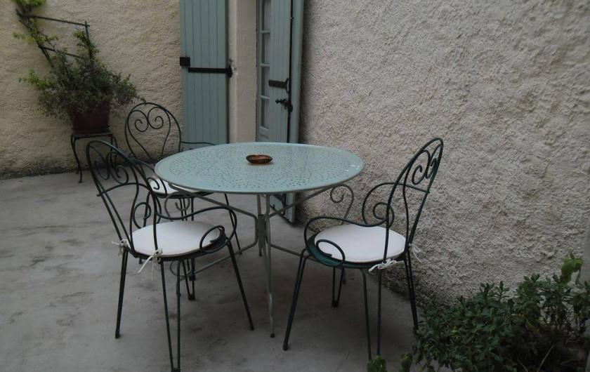 Location de vacances - Appartement à Autignac - Terrasse pour gîtes 5 et 7, et chambres d'hôtes 4 et 6