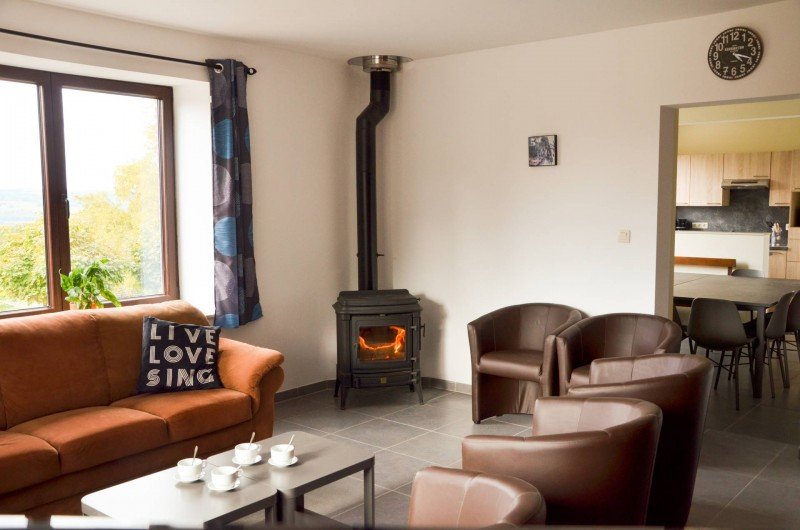 Location de vacances - Gîte à Stavelot - salon 1 avec poêle à bois