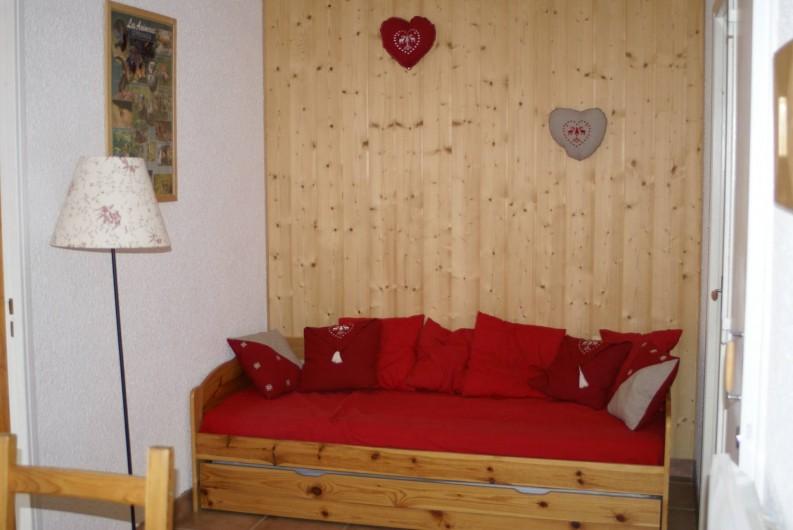 Location de vacances - Appartement à Saint-Sorlin-d'Arves - Coin nuit (2 couchages)