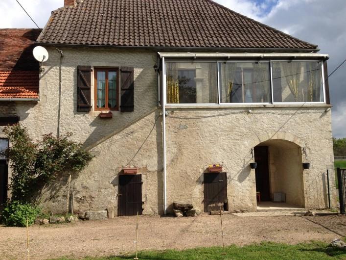 Location de vacances - Chambre d'hôtes à Puybrun - partie de la façade