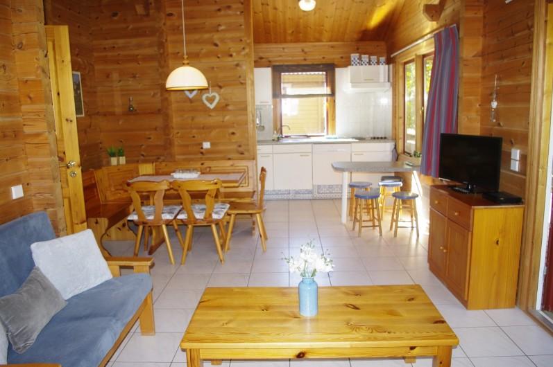 Location de vacances - Chalet à Mauroux - intérieur chalet type Helsinki - 6 pers
