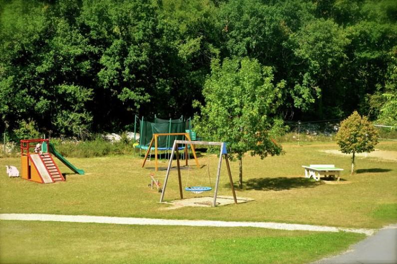 Location de vacances - Chalet à Mauroux - Aire de jeux