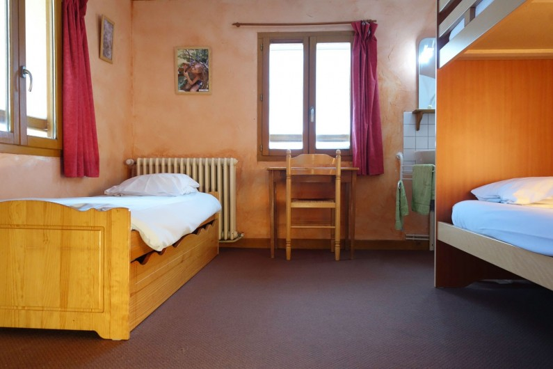 Location de vacances - Chalet à Valmeinier - Chambres de 2 à 5 lits