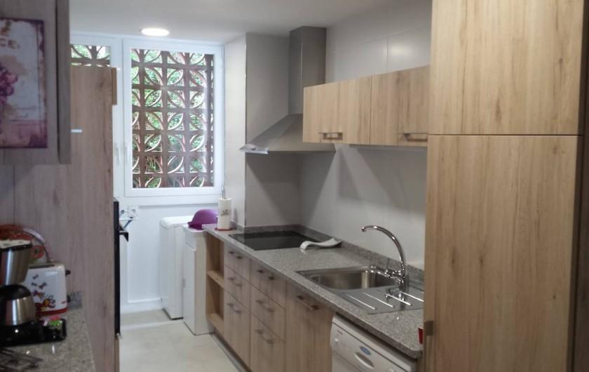 Location de vacances - Appartement à Roses - Cuisine équipée