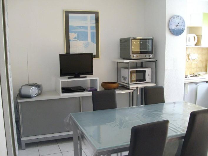 Location de vacances - Appartement à Gruissan - salle à manger
