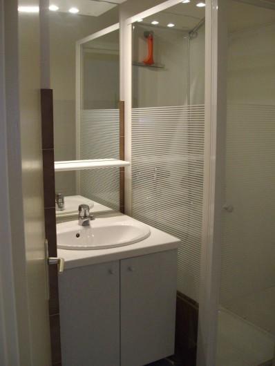 Location de vacances - Appartement à Gruissan - salle de bain  (douche)