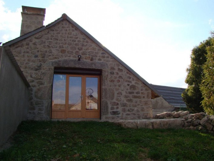 Location de vacances - Gîte à Marchastel - terrasse avec accès direct au 1er étage