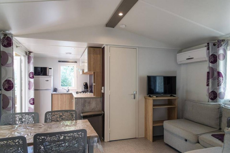 Location de vacances - Bungalow - Mobilhome à Céret - Salon d'un mobil home