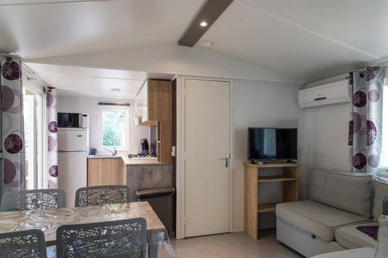 Location de vacances - Bungalow - Mobilhome à Céret - Salon d'un mobil home