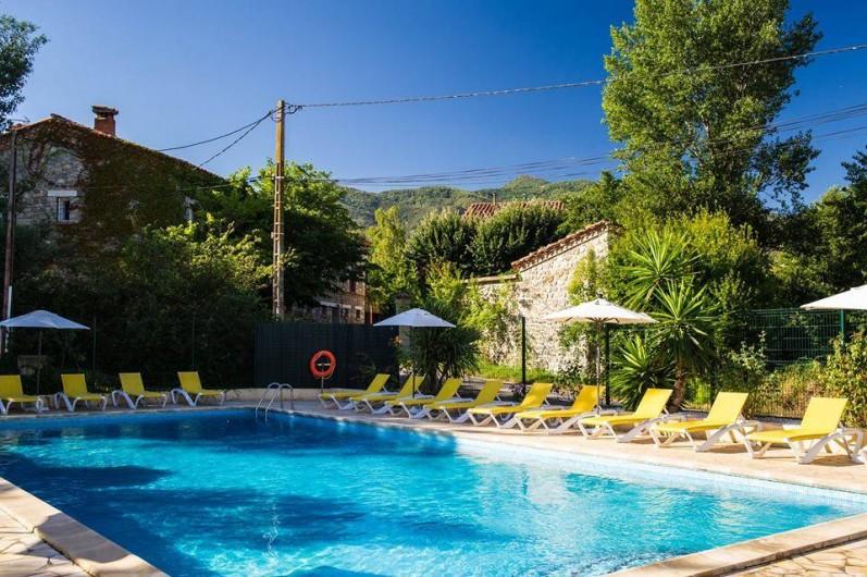 Location de vacances - Bungalow - Mobilhome à Céret - Piscine vue de la terrasse
